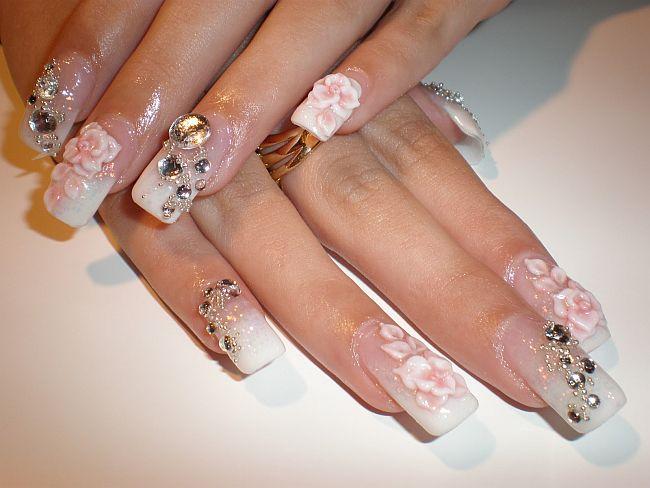Bijuterii pe unghii cu gel 2