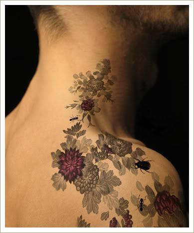 Tatuaje cu flori