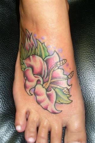 Tatuaje picior pentru fete 2