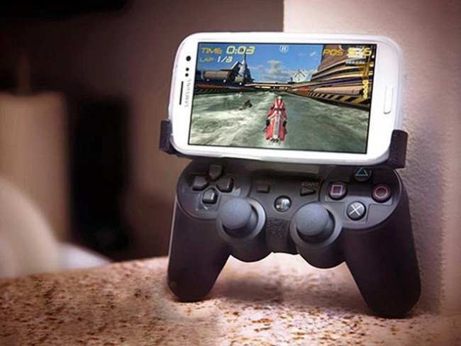 Cum transformi un smartphone sau o tableta in consola de jocuri ?