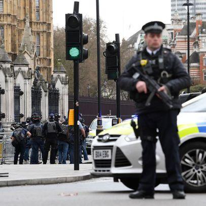 Doi romani raniti in atentatul din Londra