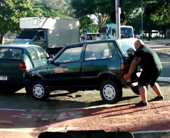 Ridicarea masinilor parcate ilegal - Noile reguli