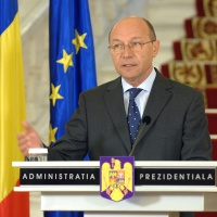 Basescu ameninta: Nou imprumut FMI din cauza unor cheltuieli cu